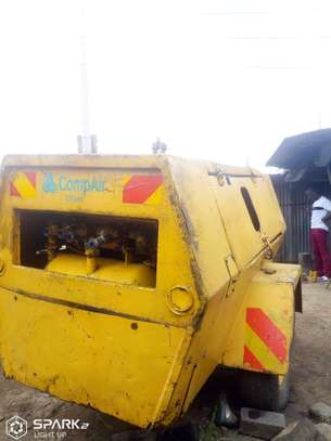 Hollman/Ford engine CR Air Compressor for Sale / Hire