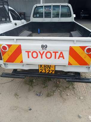 Toyota Hilux - Single Cabin 4WD image 4