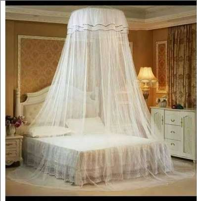 Round mosquito net..universal free size to all beds image 1