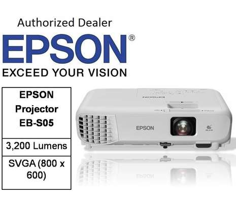 Epson EB-S05 Projector 3200 Lumens with 3LCD Technology