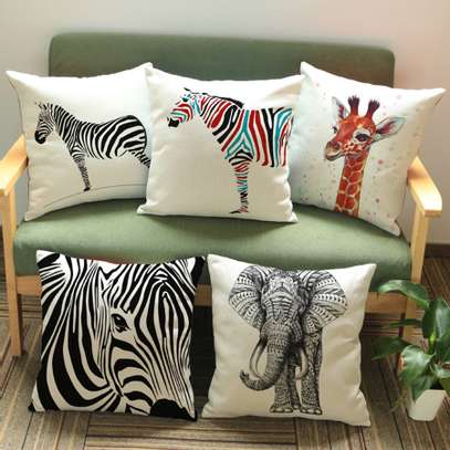 AFRICAN THEME PILLOWS image 3