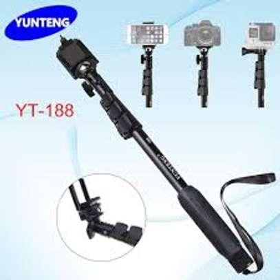 Yunteng YT-188 Extendable Handheld Selfie Monopod image 1