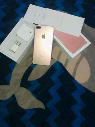 Apple Iphone 7 Plus  : 256 Gb Gold & Iwatch Series 3 ( gps and cellular version ) image 1