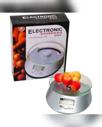 Electronic Kitchen Scale image 1