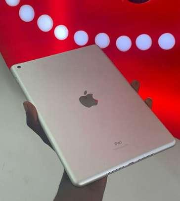 iPad Air 2 image 2