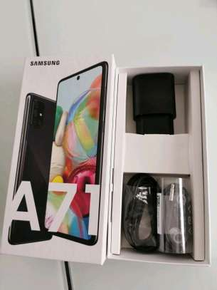 Samsung Galaxy A71 : 128 Gigabytes : 5 Phone Cases image 5