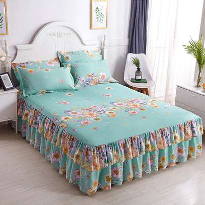 ELEGANT BED SKIRT FOR YOUR ROOM image 3