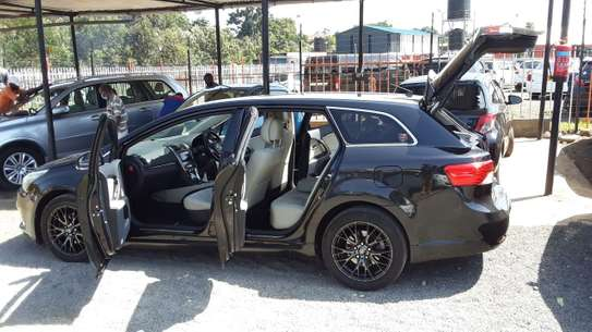 Toyota Avensis 2013 image 4