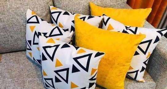 Complete Throw pillow Set image 1