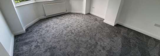 THICK BRAIDED WALL TO WALL CARPETS image 1