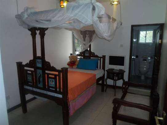 4 bedroom house for sale in Mkomani image 7