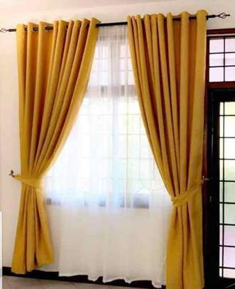 curtains and curtain blinds. image 4