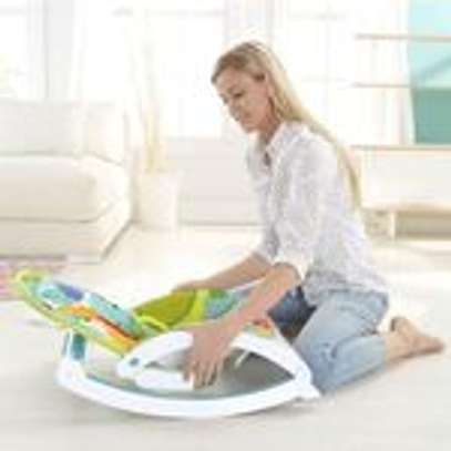 2 IN 1 Portable Rocker Dining Table Newborn to Toddler WITH MUSIC & VIBRATIONS image 3