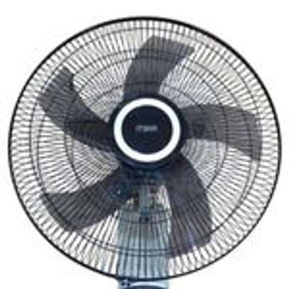 "Mika MFW183R/GB - 18"" Wall Fan, 60W With Remote, Grey & Black image 2"