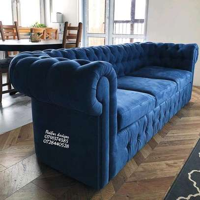 Three seater sofa/chesterfield sofas image 1