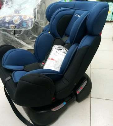 Baby carseat 8.8 zs image 1