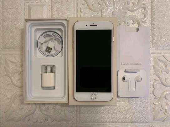 Apple Iphone 8 Plus The 256 Gigabytes Gold Colour image 2