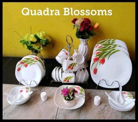 White floral dinner set image 1