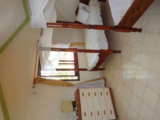 4 br fully furnished house with swimming pool for rent in Nyali. ID1529 image 9