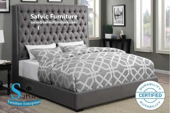 6*6 Layla Buttoned Bed
