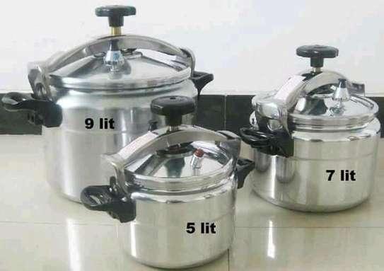 9 litres Pressure Cooker image 1