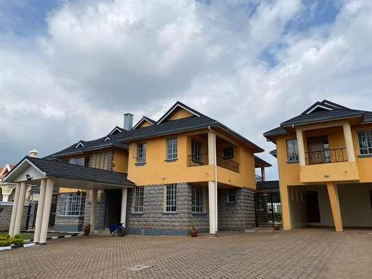 Runda - House image 1