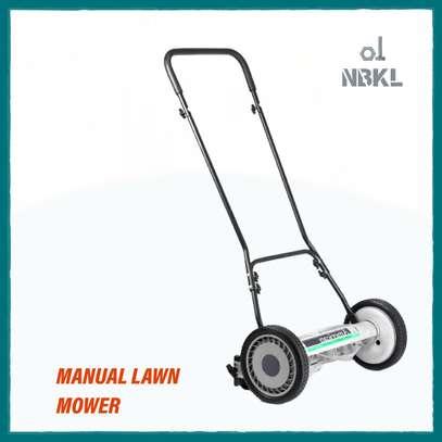 Manual Lawn Mower image 1