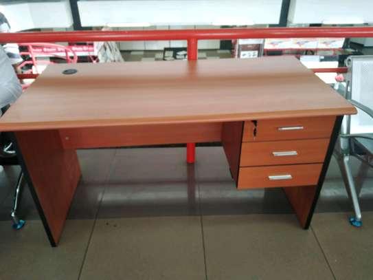 Office desk 1.4m image 2