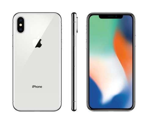Apple iPhone X 256GB – 5.8″ – 3GB RAM image 1