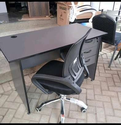 Office desk with headrestchair image 5