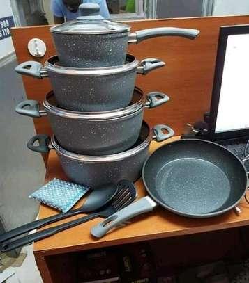 12 Pieces Signature Cookware set image 1