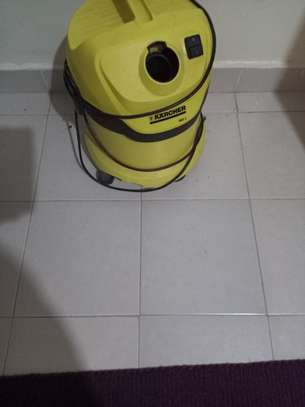 Wet and dry vacuum cleaner image 1