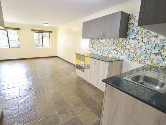 1 bedroom house for rent in Kilimani image 9
