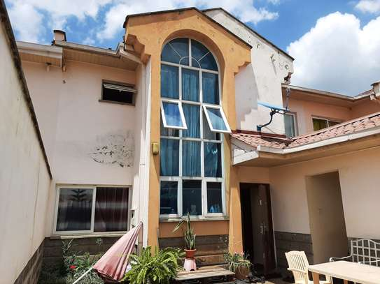 4 bedroom townhouse for rent in Langata Area image 8