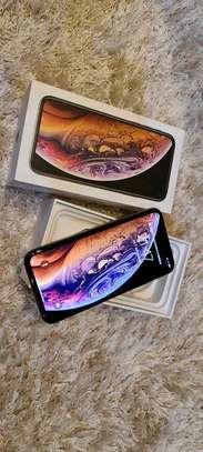 Apple Iphone Xs 512 Gigabytes Gold image 2