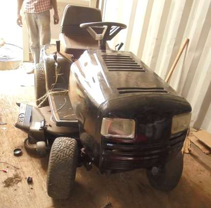 MURRAY Rear-Engine Riding Lawn Mower image 3