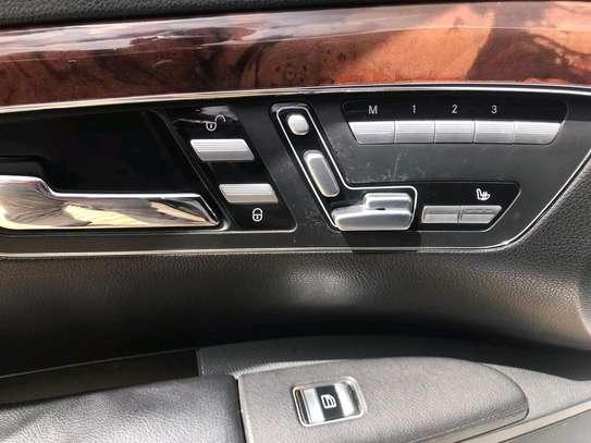 Mercedes S-class image 9
