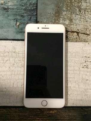 Apple Iphone 8 Plus Gold 256 Gigabytes image 3