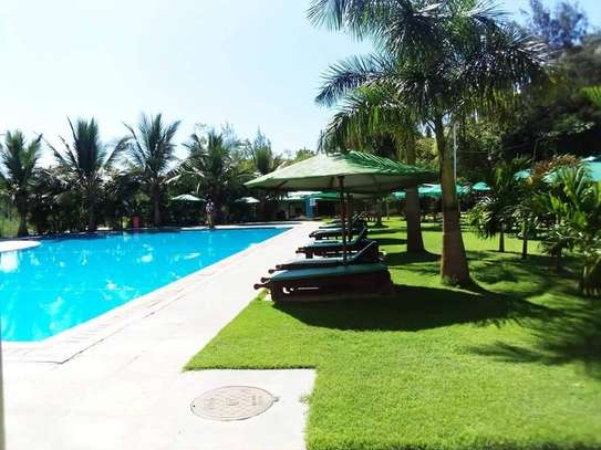 3 bedroom apartment for sale in Shanzu image 4