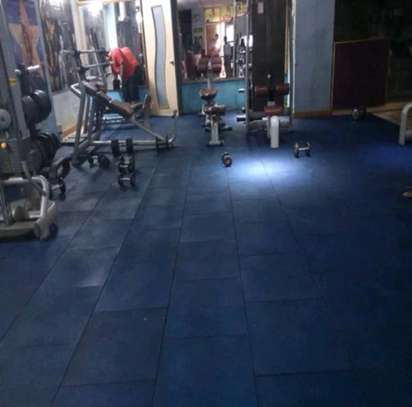Gym rubber mats flooring. image 2