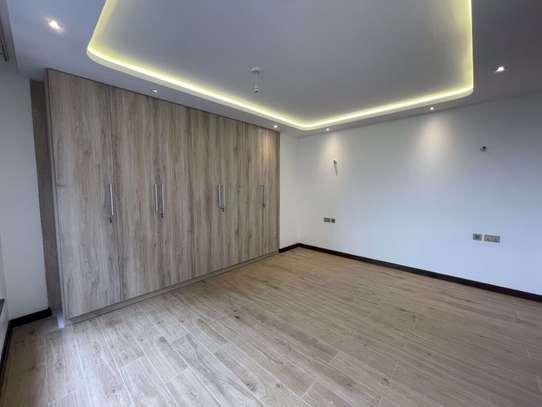 4 bedroom apartment for rent in General Mathenge image 6