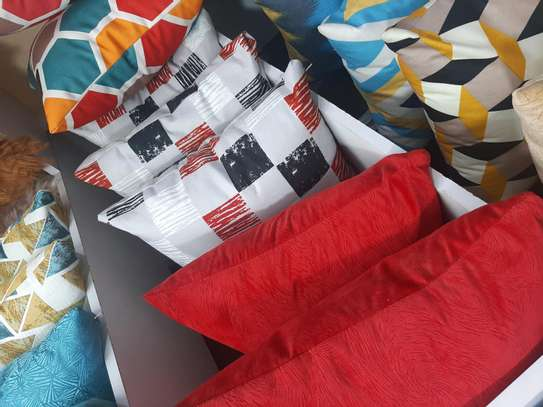 Bright coloured THROWPILLOWS  and cases image 2