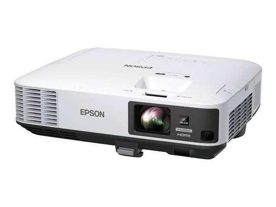 Epson EB-2255U Projector image 1
