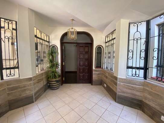 5 bedroom house for rent in Gigiri image 2