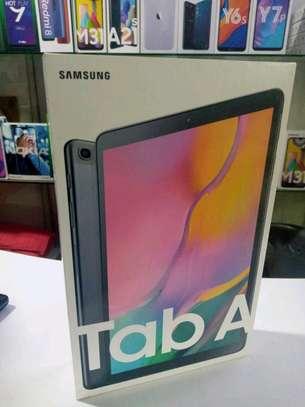 Samsung 10.1 inch Tablets 32gb 2gb ram in shop-2 years warranty image 2