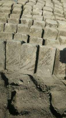 Machine cut ndarugu stones image 4