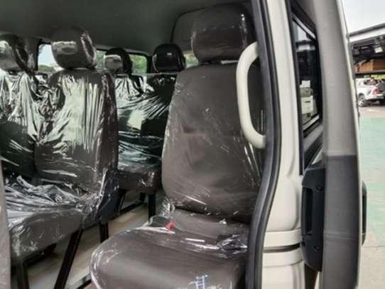 Toyota HiAce image 8