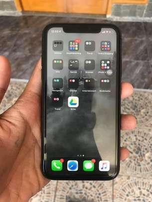 Iphone 11 image 3