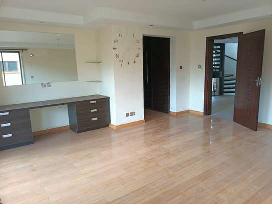 5 bedroom house for rent in Brookside image 9