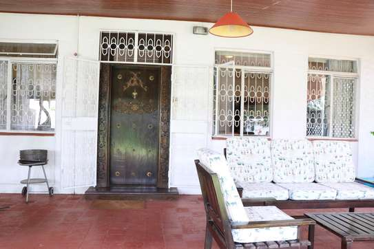 Furnished 2 bedroom house for rent in Gigiri image 7